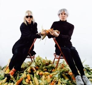 Marta Minujin e Andy Warhol - Foto: Acervo MALBA